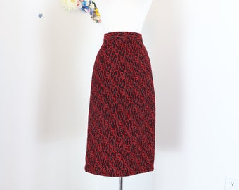 "1980s Pencil Skirt - Red Black Bouclé - Midi Abstract Pattern - Wool - Handmade Knit - Winter Fall Skirt - Mad Men - Size Small 28"" Waist"