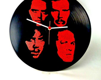 Metallica, Band Portrait, Wall clock, Vinyl Clock, Hand Painted, Red, Upcycled, Vinyl Record Wall Décor, InsaneDotting