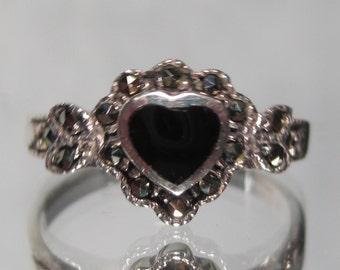 Vintage Sterling Silver Onyx Ring Sz 7 M204