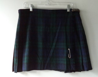 Edinburgh Woolen Mill vintage kilt// 80s-90s goth blue green black plaid school girl mini skirt// Size 34-38 waist 12-14 L large