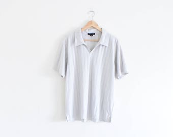 DRAPEY SPORT POLO || size mens large || 90s || collared shirt || sporty || jersey || vaporwave || ribbed || minimal || silver || vintage!
