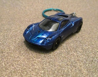 Pagani Huayra Keychain,Car Keychain, Mens Or Womens Keychain, Mens Or  Womens Gift