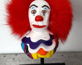 Decorative bust on pedestal Pennywise the clown from Stephen King