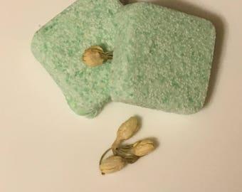 Floral Bouquet: Jasmine, Lavender and Vanilla Bath Bomb