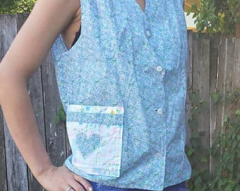 Fun floral smock with little houses and buildings/hippy smock/vintage smock/vintage apron/vintage top/smock top/hippy smock top/hippy top