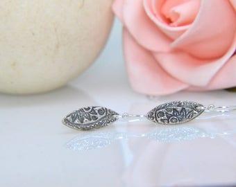 Silver dangly Earrings, drop Earrings, boho design, textured earrings, dainty earrings, modern, stylish, gift, valentine, love.