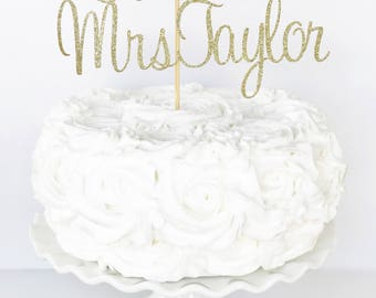 Future Mrs Cake Topper / Custom Name Cake Topper / Bride To Be / Bridal Shower Cake Topper / Bridal Shower Decorations / Bridal Brunch