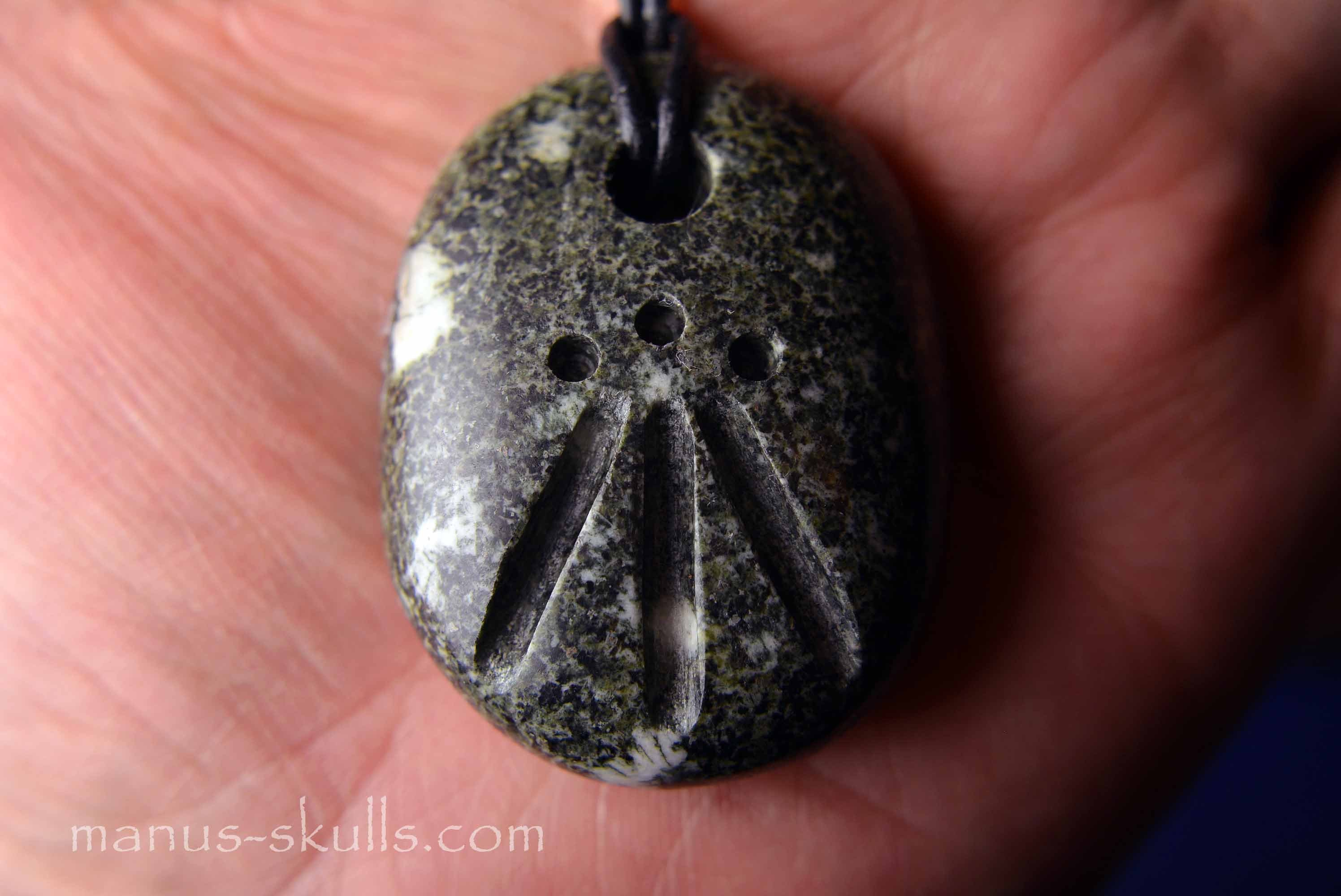 Large pendant with awen symbol hand carved with love 40 mozeypictures Gallery