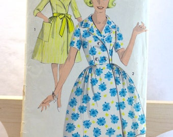 Vintage Advance Misses Housecoat/Dress Sewing Pattern 2943 Size 10