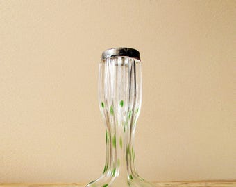 antique bud vase in clear handblown glass with green details and a hallmarked silver collar - JW London 1910 - Art Nouveau