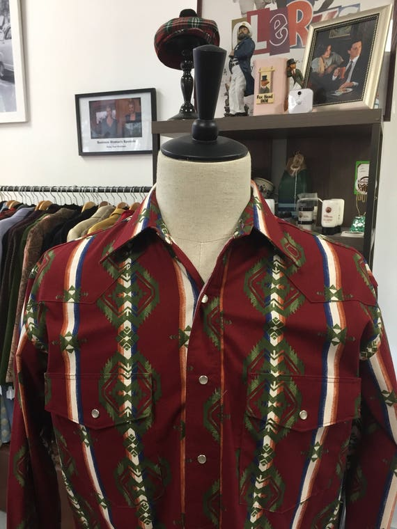 Men's Wrangler Brand  Western Wear Shirt with Southwest Print Sz M