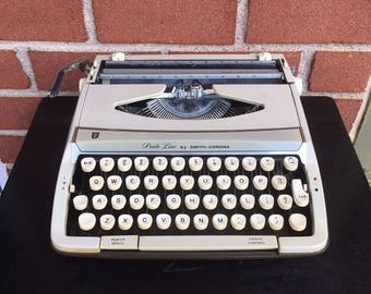 WORKING TESTED CLEANED Vintage Smith Corona Pride Line Zephyr Deluxe Typewriter with Original Case