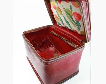 19th Century Zip Around Train Case~Cosmetic Luggage Suitcase Travel~Mirror~Burgundy