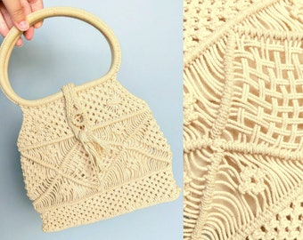 places to be / 1970s off white macrame round handle purse