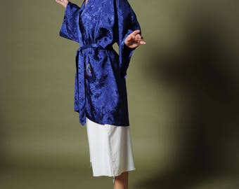 Vintage blue kimono Chinese embroidered kimono Rayon dressing gown Asian oriental kimono Embroidered dressing gown Admiral blue satin robe