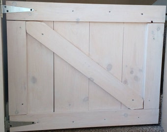 Barn door gate, pet gate, half door
