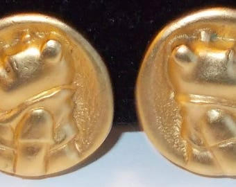 DISNEY Winnie The Pooh.... Round Gold Tone... Clip On Earrings