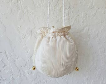 Vintage Evening purse • Drawstring bag•  Pleated purse •  White drawstring bag• 1960s vintage bag • Crossbosy bag • Vintage crossbody bag •