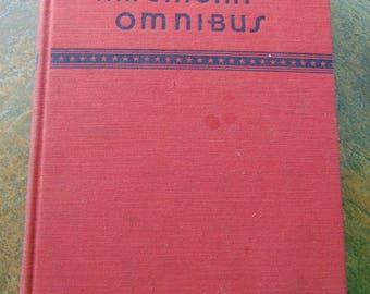 An American Omnibus , 1933 , Hemingway , Robert Frost , Carl Sandburg , TS Elliot , EE Cummings