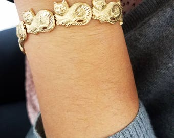 14 Karat Yellow Gold Cat Bracelet