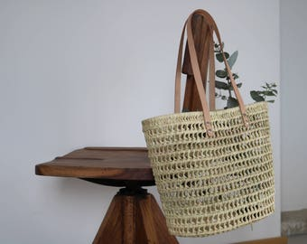Straw bag with leather handles, summer tote, summer bag, beach bag, sac de palme, bolsa de palma, Palmentasche, Strohsack, bolsa de paja.