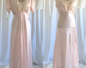 Vintage 1940's Satin Peignoir Set