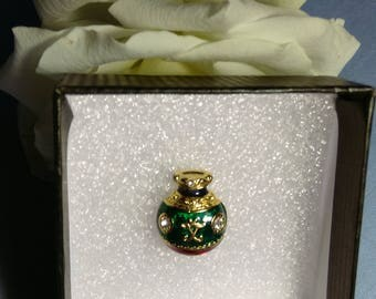 Unworn Vintage Christmas Bauble Pin - Boxed