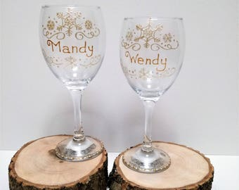 Snowflake wine glass, Christmas wine glass, Personalised Christmas wine glass, hand painted Christmas glass