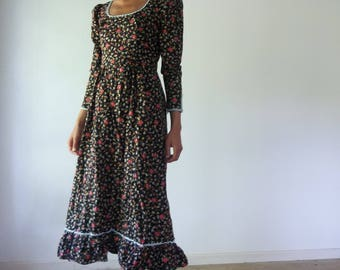 Vintage Gunne Sax Style 70s Floral Long Sleeved Midi Prairie Dress, To make a prairie it takes a clover and one bee