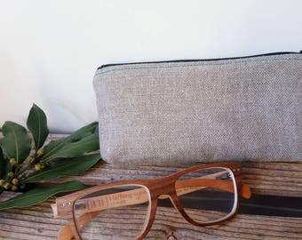glasses case - natural linen - made in France - handmade - making craft - ecofriendly - organic - sewing dots - fabric with polka dots