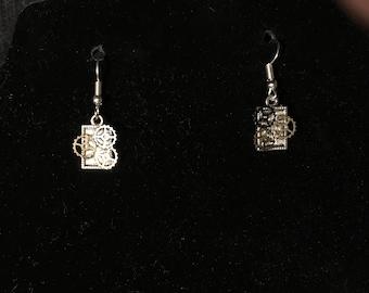 Steampunk Earrings!!