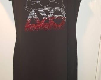 Delta Sigma Theta Rhinestone T-Shirt Dres Sz M