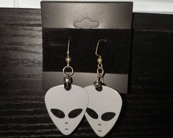 Alien guitar pick Earrings
