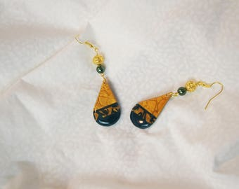 Green Gold Earrings green sleeper Pearl shiny emerald green bottle resin, gold and green jewel dark loop drop long golden setting