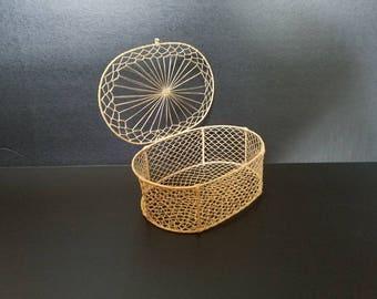 Vintage bohemian woven trinket basket, delicate basket, lidded basket, boho basket, vintage basket, boho decor, bohemian style