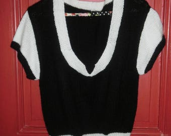 Black and white retro spring sweater