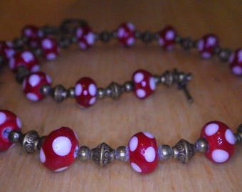 Handmade glass beads combined with bronze-colored metal pearls necklace