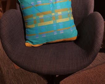 cushion cover, retro, geometric, gold links, turquoise blue,