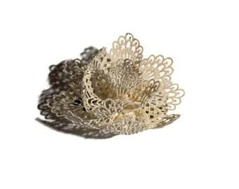 White lace flower hair clip