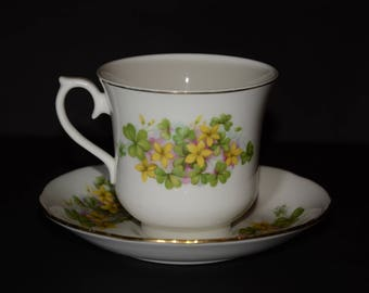 QUEEN ANNE, Bone China, tea cup and saucer pattern featuring green (clover) and yellow flowers Gold Rimmed, England, Vintage, floral