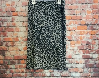 80's  Charlotte Russe Knee Leopard Skirt Size L ,Grey and Black