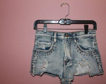 Vintage Highwaist Studded Denim Shorts