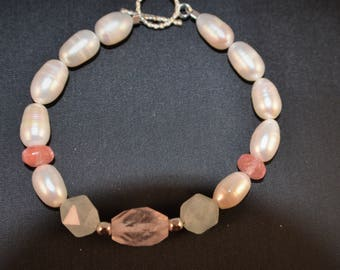 Freshwater Pearl and gemstone Bracelet