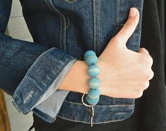 Keychain Bracelet, Bracelet Keychain, Beaded Key Wristlet, Bracelet for Keys, Boho Chic, Dyed Wood bead keychain, Blue, beach tones, Spring