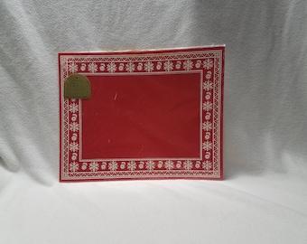 Vintage Hallmark Christmas/HolidayRed & White Placemats