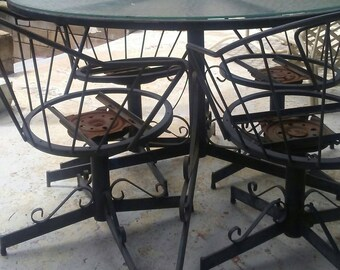 Vintage Patio. Wrought Iron Table 4 swivel chairs