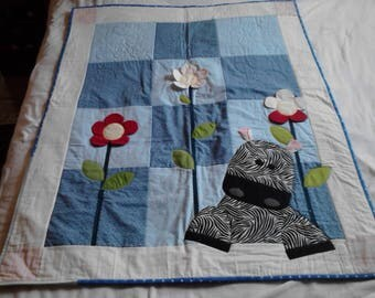 Precious Zebra Baby Quilt, hand quilted, applique, machine quilting. Cotton.