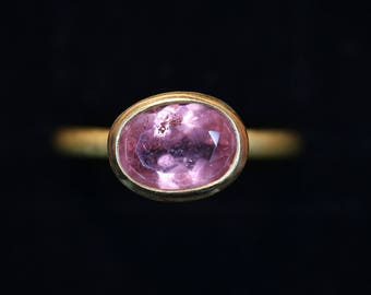 Ring of 22k gold with pink tourmaline