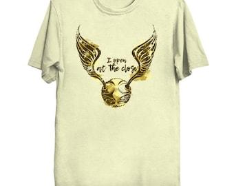 Golden Snitch.  Harry Potter Tshirt. Harry Tee. Snitch Shirt. Quidditch T-shirt. Harry Potter tee. Golden snitch Tshirt. Potter shirt. Mage.
