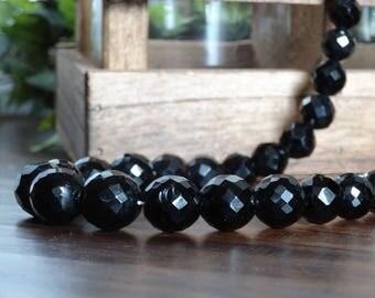 1950's Vintage Timeless Black Glass Necklace
